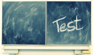 テストの時間帯の黒板