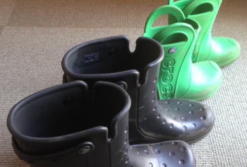 子供の遠足(芋掘り)のために購入したクロックスの長靴